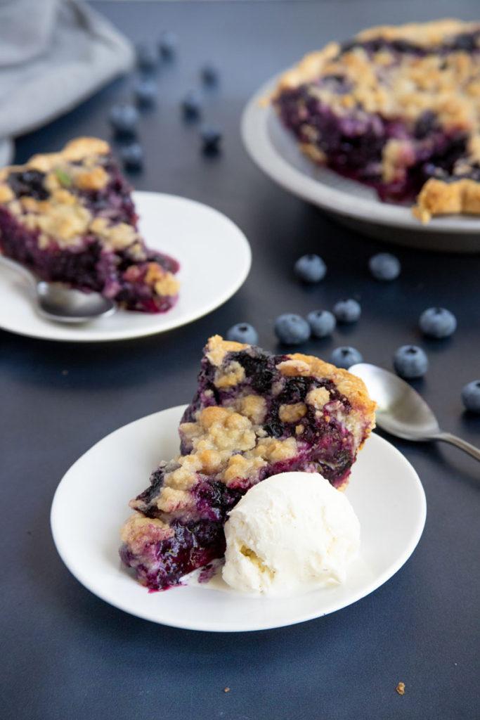 Blueberry Crumble Pie with ice cream