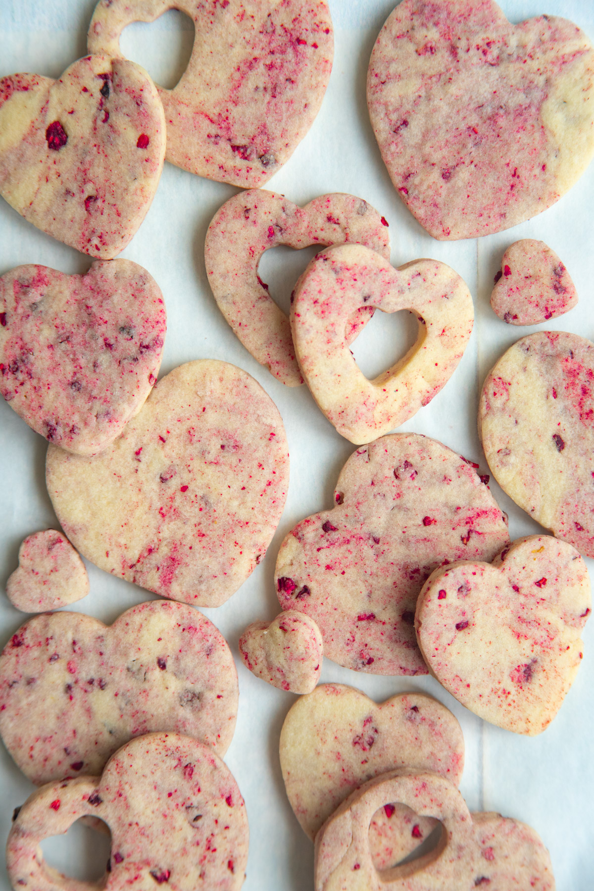 Raspberry heart-shaped shortbread cookies
